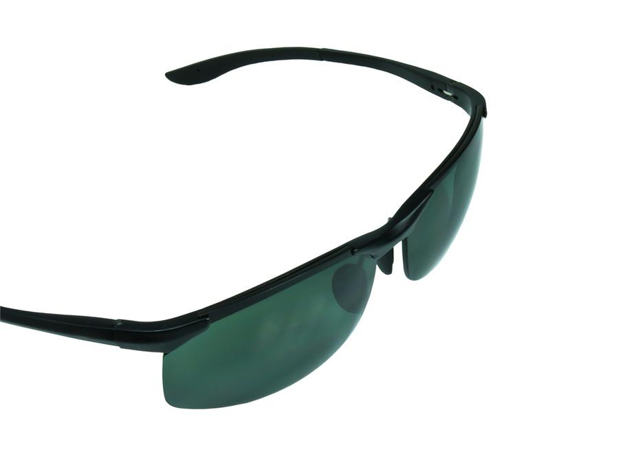 779c3925c9aa Die perfekte Pilotenbrille für ein kleines, schmales Gesicht ...