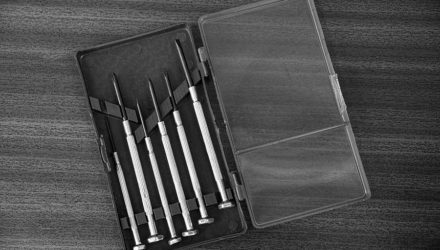 Brillen Werkzeug - Reparaturen an der Pilotenbrille selbst ausführen
